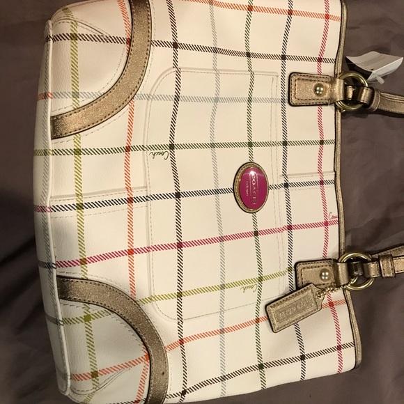 Coach Handbags - Brand new leather Tatrsal Coach purse